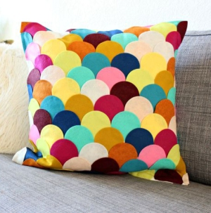 diy-scallop-pillow